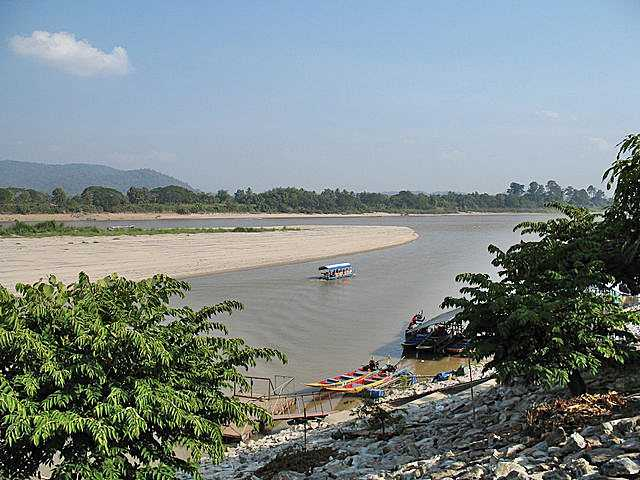 Chiang Saen discover the golden triangle