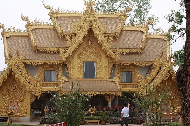 The golden building of Wat Rong Khun